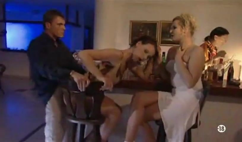 surprise sex in bar смотреть порно онлайн
