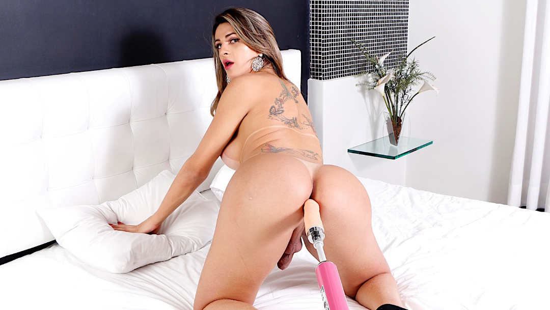 Bad Latina Shemale Victoria Carvalho Gets Her Ass Stretched And Fucked Photos 1