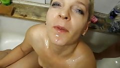 Two girls pissing in each others mouth