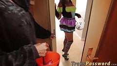 Tranny bimbo treats the trick or treaters with her ass