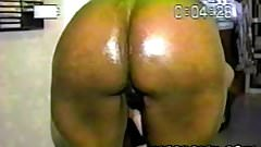 Mature ebony milf flashing pussy