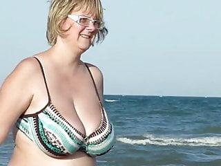 Chubby Mom Spied On The Beach