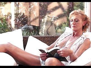 Download video bokep Granny invites Mp4 terbaru