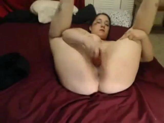 Fat girl loves anal