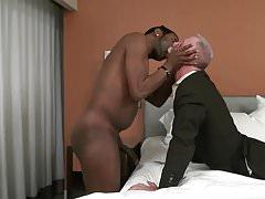 Stock trader needs black dick tonight!