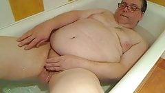 branle dans la baignoire
