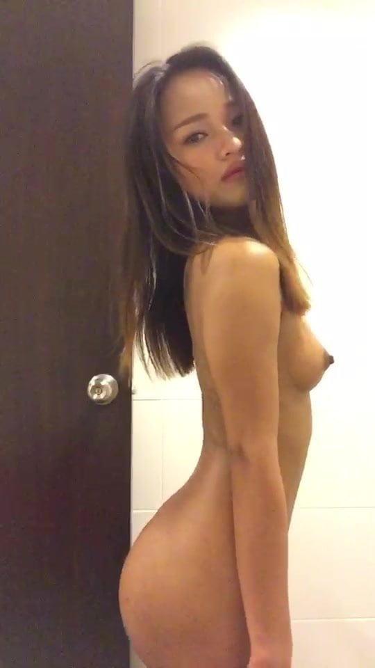 kellie martin nude scenes