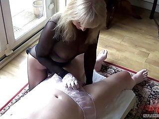 Download video bokep Encased Blonde Oiled Handjob In panties Mp4 terbaru