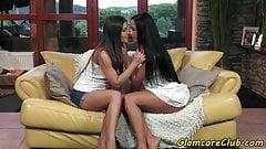 Oral loving pornstar pleasured by dyke babe