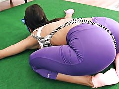 Amazing Body Teen Perfect Ass Deep Cameltoe Yoga in Tight