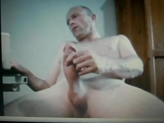 hot dad with massive thick cock cums a heavy load on cam