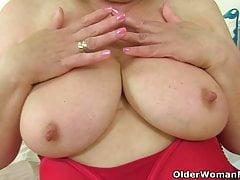 British grannies Trisha and Amanda fuck their dildos