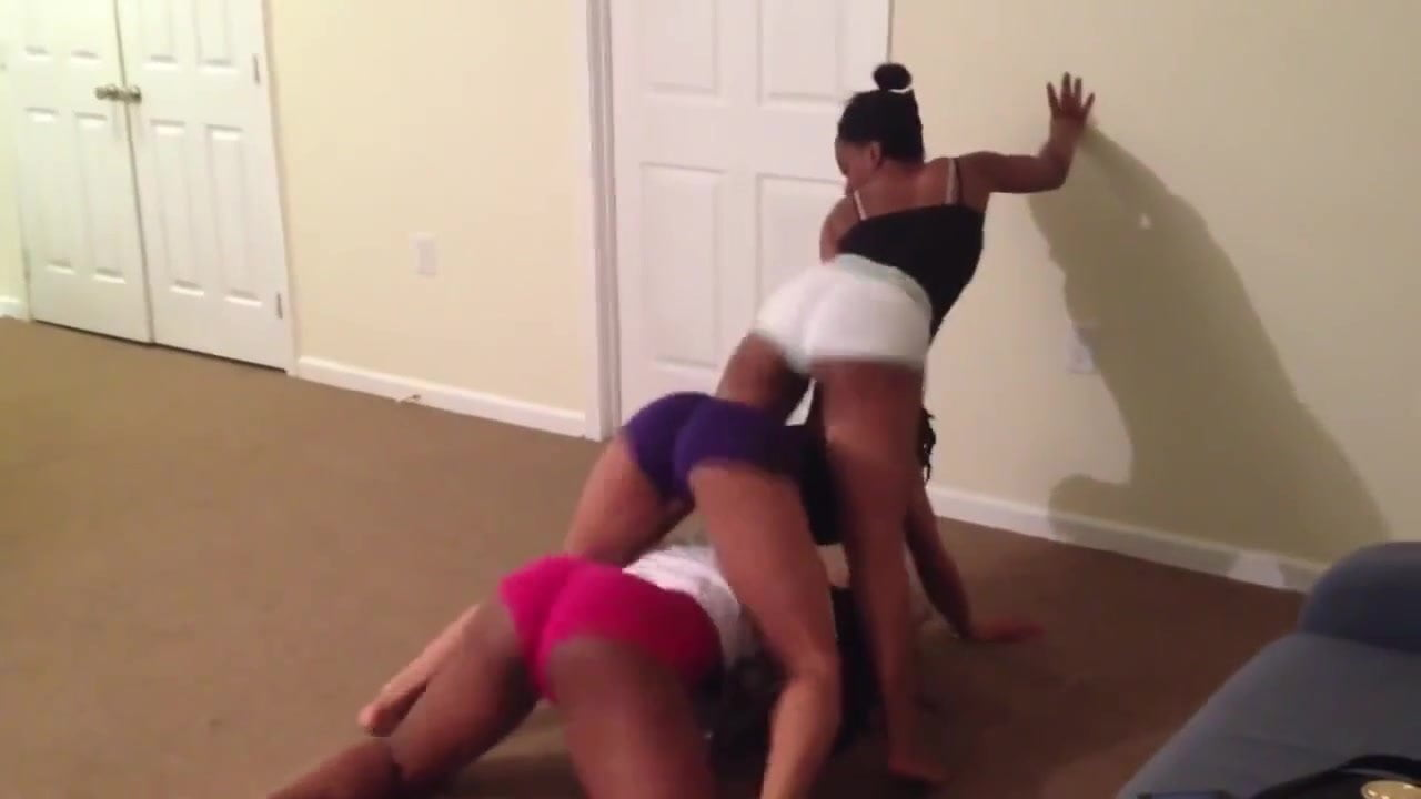 lesbians twerking on each other