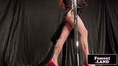 Poledancing trap amateur jerking cock