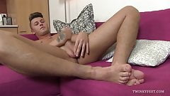 Twink Roman Smid Foot Fetish Jerk Off