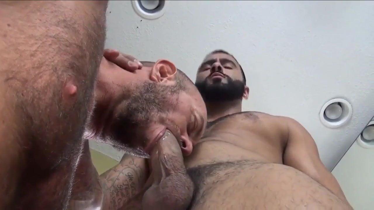 Free gay male porn pics