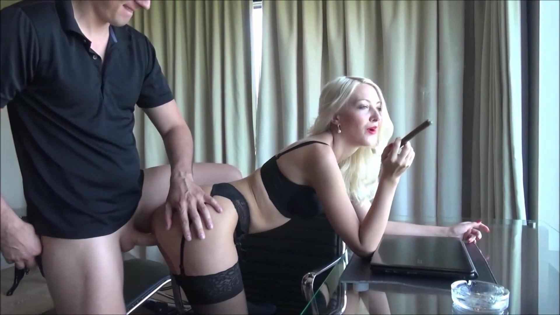 Видео жопа для босса