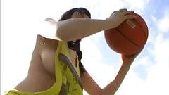 Marina Yamasaki - Braless play basketball