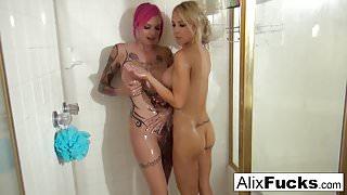 Alix Lynx Lesbian Shower