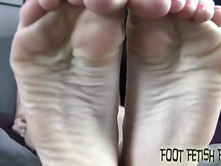 Preview 3 of You need to worship my sexy little feet