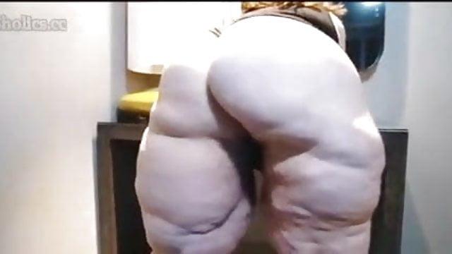Huge nude tits gif