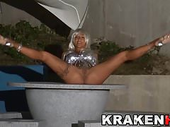 Krakenhot - Coral Joice in an outdoor sex scene