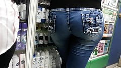 Sexy big ass buying in pharmacy's Thumb