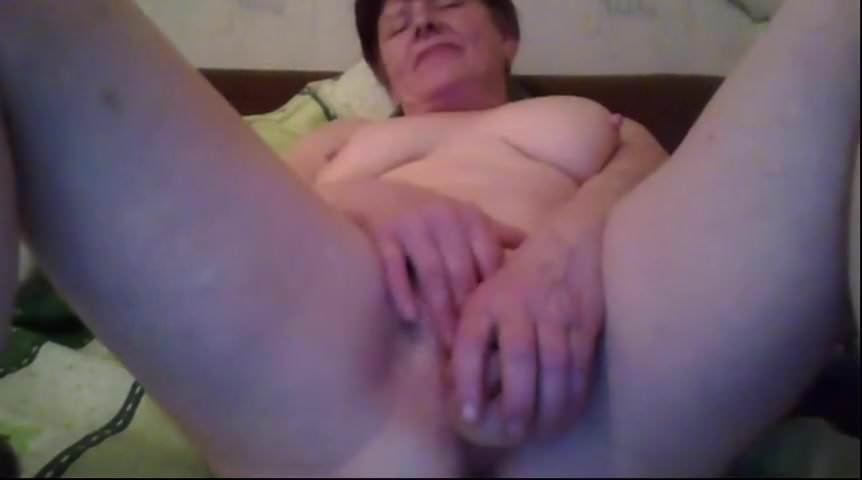 zrelaya-russkaya-masturbiruet-v-skaype
