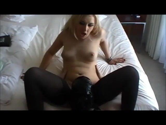 Lecksklave video