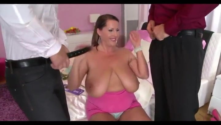 Free download & watch mom big tits in thressome          porn movies