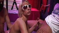 German Gangbang-Party: Paris Pink enjoys Fickparty