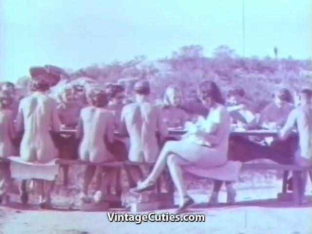 Outdoor Nudists Enjoying Naked Lifestyle 1950S Vintage-6333