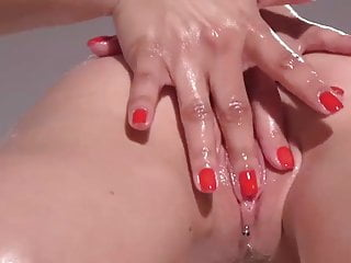 Awesome finger play with Lesbian Massage