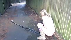 Sexy Girl Gushing In Alley