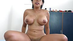 Venezuelan curvy latina Kesha Ortega works on a big dick