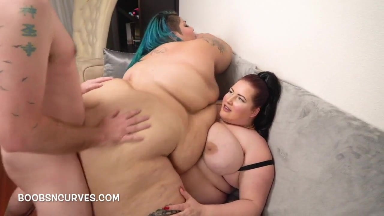 huge butt slut receives dp
