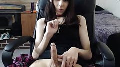 Pretty Kitty penis show off