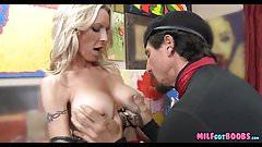 Artist gets fit Blonde MILF Pussy