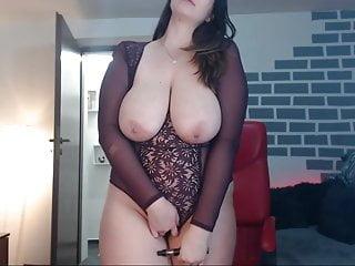 Download video bokep She Shows Her Huge Tits Mp4 terbaru