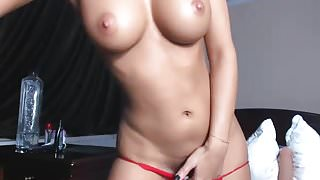 latin cam-slut with an incredible body