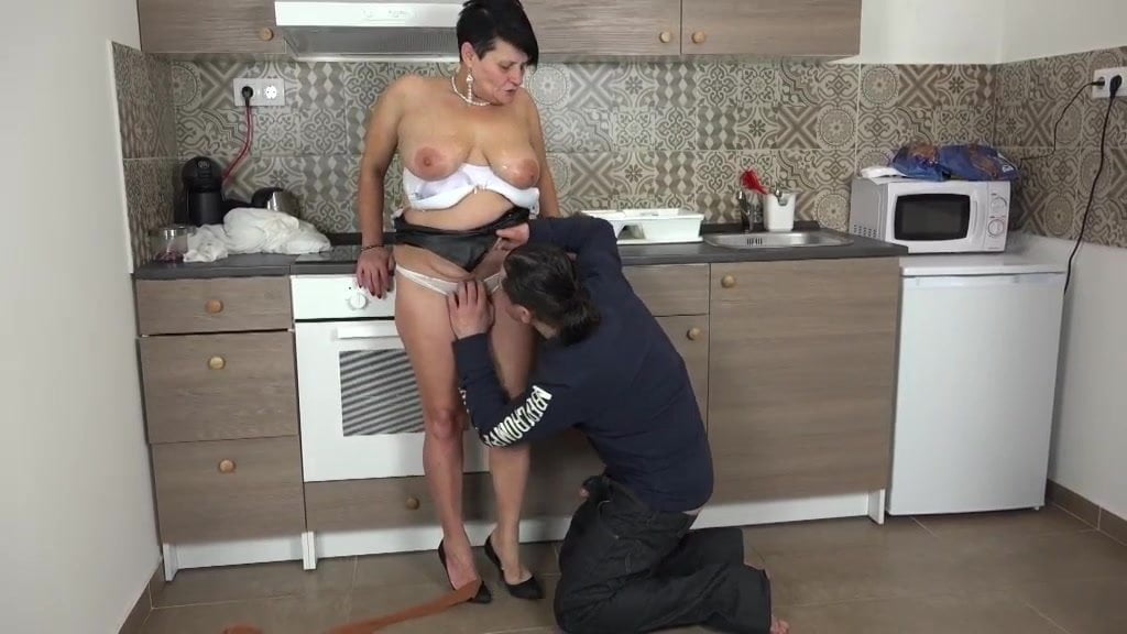 Free download & watch dolly bee who said i m a granny i fuck and cum like a girl          porn movies