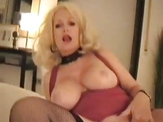 Download video bokep granny cum sucker Mp4 terbaru