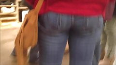 Hot Candid Voyeur Blonde Italian In Tight Jeans