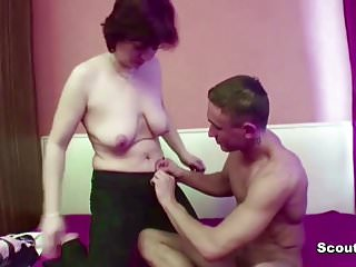 Step-Mom Need a Fuck and Seduce Him to Do it With Her
