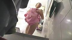 Found voyeur 35 Hidden cam of sister in shower
