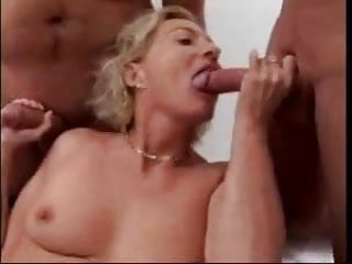 Mature Woman 's first Gangbang 1...F70