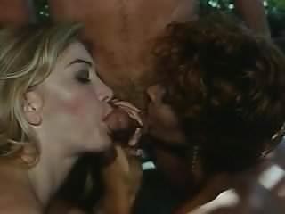 Moana Pozzi group sex - Vedo Nudo (1992)