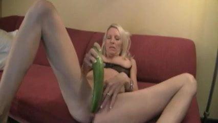 Blonde milf emma fucks a cucumber