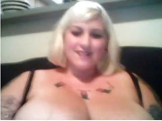 Webcams  Bbw Snow Bunny W Massive Tits Rubs One Out