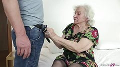 GERMAN ORDERLY CAUGHT GRANNY MASTURBATE AND HELP WITH FUCK's Thumb
